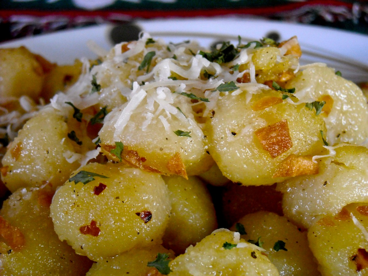 Meatless Monday: Gnocchi with Crispy Garlic