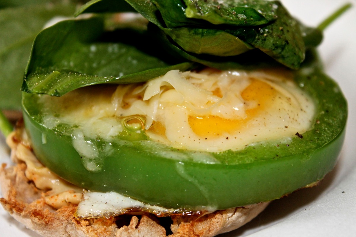Meatless Monday: Fried Egg and Hummus Open-Faced Sandwich
