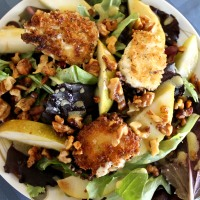 Meatless Monday: Warm Goat Cheese Salad with Pears and Walnuts